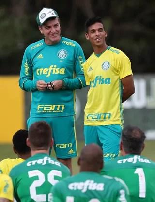 Cuca e Vitinho Palmeiras treino (Foto: Cesar Greco/Ag Palmeiras/Divulgação)