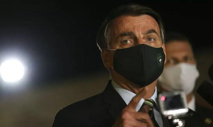 Bolsonaro anuncia terça-feira prorrogação do auxílio emergencial, diz líder  do centrão   Brasil e Política   Valor Investe