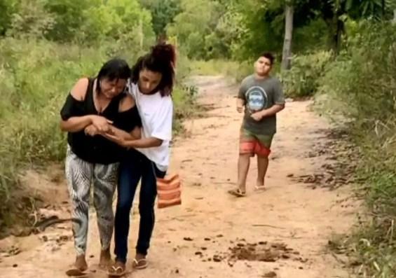Família contesta versão da polícia sobre morte de irmãos, no ES — Foto: Reprodução/ TV Gazeta
