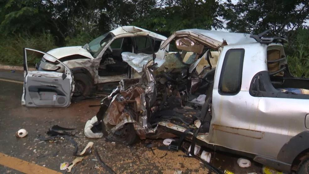 Acidente aconteceu no Km 43 da BR-364 — Foto: Ricardo Araújo/Rede Amazônica