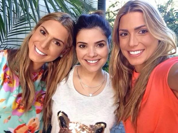 Vanessa Giácomo é tietada por Bia e Branca (Foto: Arquivo pessoal)