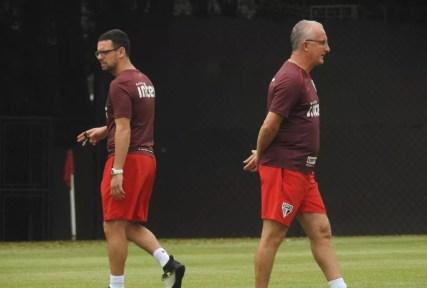 Lucas Silvestre e Dorival Júnior comandaram treino do São Paulo desta segunda-feira (Foto: Marcelo Hazan)