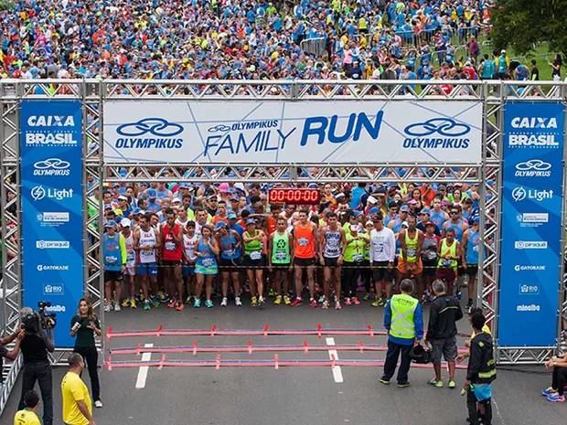 Multidão se concentra para largada da Maratona do Rio 2015 (Foto: Site Oficial da Maratona do Rio 2016)