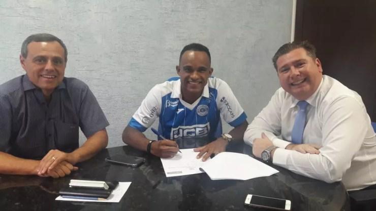 Cléo Silva vai para o São Bento por empréstimo (Foto: Divulgação / EC São Bento)