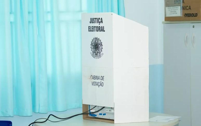 Cabine de votação — Foto: Érico Andrade/G1