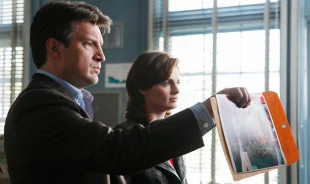 Castle e Beckett investigam um misterioso caso (Foto: Divulgação / Disney Media Distribution)
