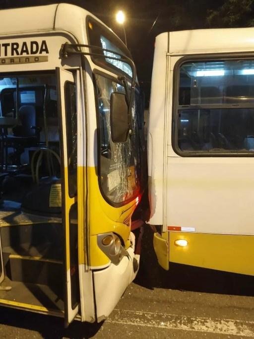 Colisão entre três ônibus deixou 14 feridos em Natal (Foto: Divulgação/PM)