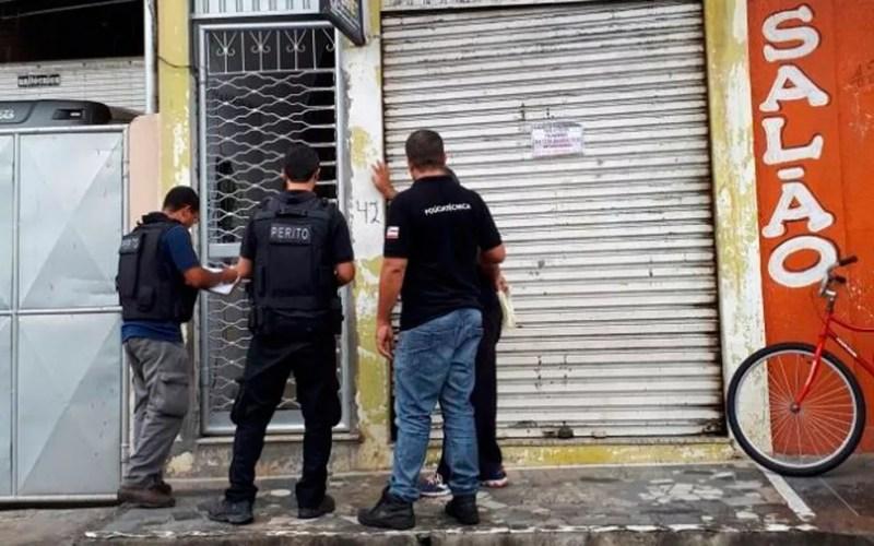 Dono de pousada foi achado morto dentro de quarto em Feira de Santana (Foto: Ed Santos/Acorda Cidade)