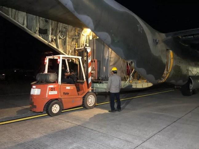 Chegam em Macapá equipamentos para purificação de óleo de transformador em manutenção — Foto: Ronaldo Brito/Rede Amazônica