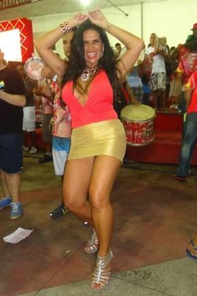 Solange Gomes em ensaio da Porto da Pedra em São Gonçalo, no Rio (Foto: Roberto Andrade/ Divulgação)