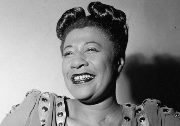 Ella Fitzgerald (1917-1996) vivia nas ruas de Nova York, até que venceu um concurso de canto. (Foto: Domínio Público)