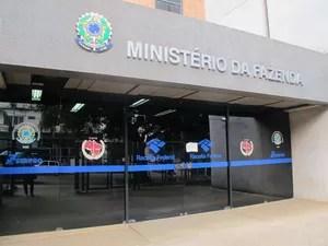 No caso de dúvida, os contribuintes vão poder entrarm em contato com o plantão fiscal na Receita Federal em Rio Branco, Acre (Foto: Veriana Ribeiro/G1)