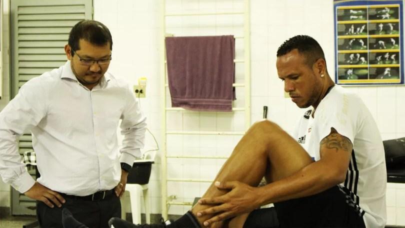 Luis Fabiano está em recuperação na Ponte Preta desde o fim de abril  (Foto: PontePress)
