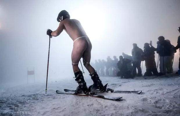 Homens e mulheres participaram da competição (Foto: Dominic Ebenbichler/Reuters)