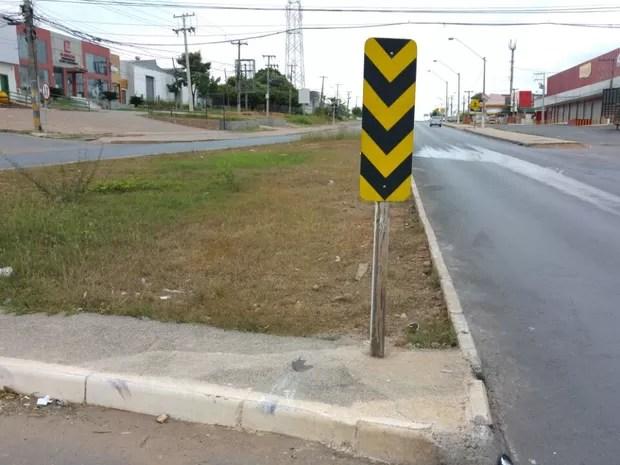 Estudante de enfermagem morreu após acidente de moto na antiga Estrada do Moinho, em Cuiabá (Foto: Deletran de Cuiabá)