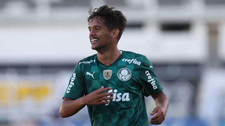 Gustavo Scarpa comemora gol em Ponte Preta 0 x 3 Palmeiras — Foto: César Greco/Agência Palmeiras
