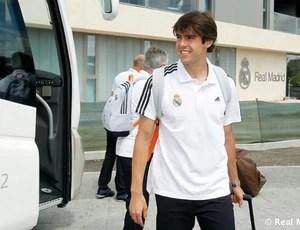 Kaká viagem Real Madrid (Foto: Divulgação / Site Oficial do Real Madrid)