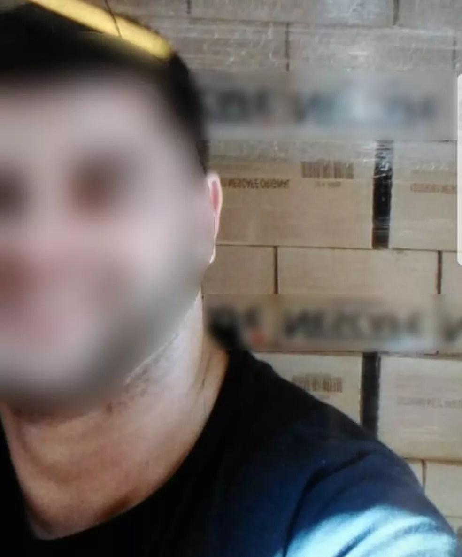 Suspeito de participação do crime tirou selfie com a carga roubada, conforme a Polícia Civil (Foto: Polícia Civil/Divulgação)