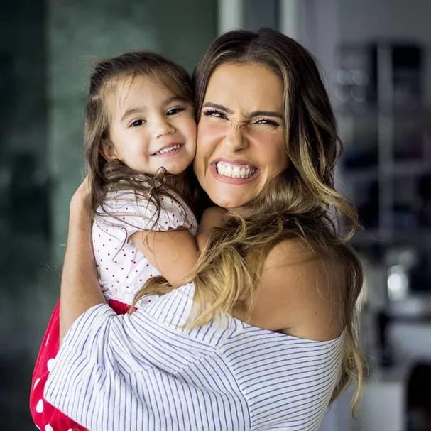 Maria Flor e Deborah Secco (Foto: Instagram/Reprodução)