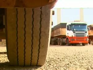Transportadoras estão demitindo por conta da crise em Araraquara (Foto: Reprodução/EPTV)