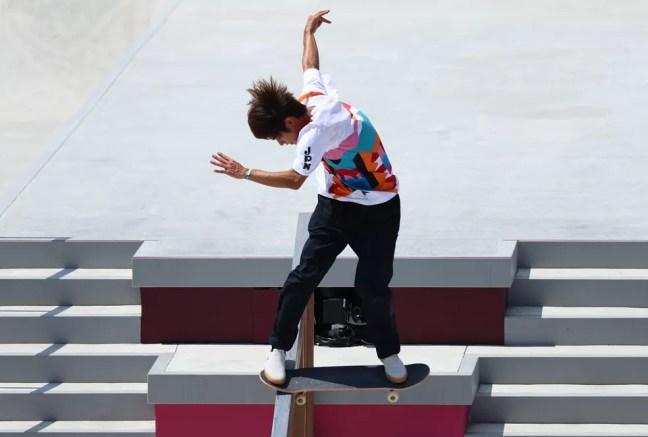 Yuto Horigomi faz manobra incrível e arranca grande nota na final do skate street — Foto: REUTERS/Lucy Nicholson