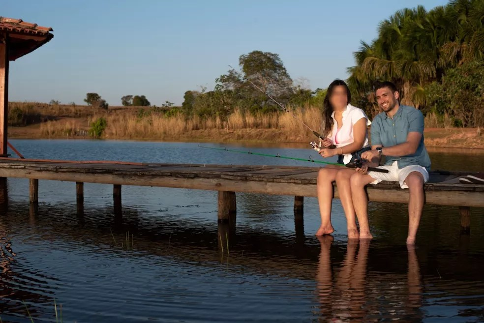 Foto foi a última tirada antes de médico sofrer descarga elétrica e morrer, nas vésperas de casamento — Foto: Divulgação/Teixeira