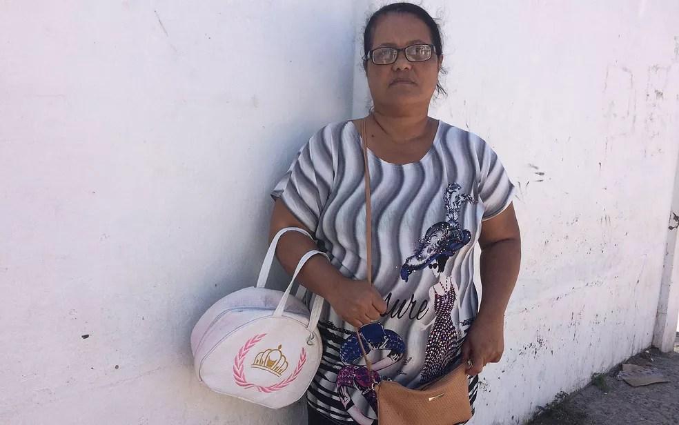 Robelice da Hora diz que a filha se atrasou e acabou não pegando a lancha que virou em Mar Grande, na Bahia (Foto: Henrique Mendes / G1)