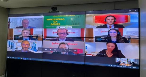 Representantes da Janssen em encontro por videoconferência com dirigentes do Ministério da Saúde — Foto: Divulgação
