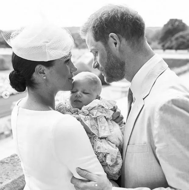 Meghan Markle and Prince Harry baptize son Archie in England (Photo: Reproduction/ Instagram)