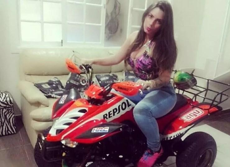 Polícia acredita que jovem postava fotos nas redes sociais com produtos que furtava (Foto: Divulgação/Polícia Civil)