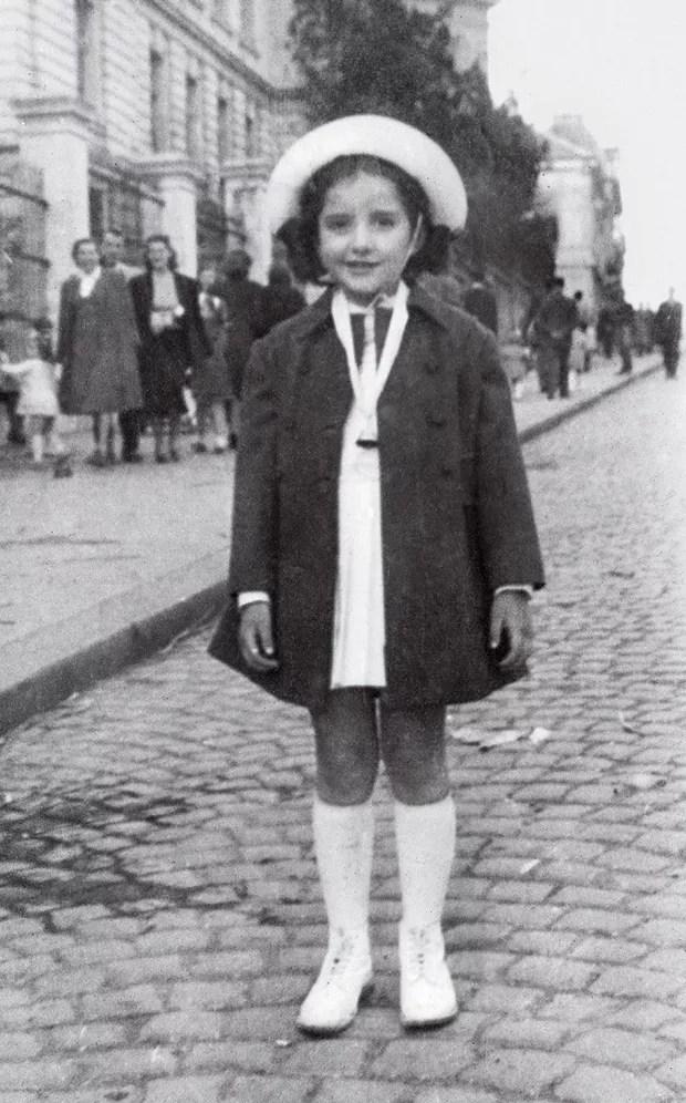 Marina aos 4 anos, em Belgrado. (Foto: Arquivo Pessoal/Divulgação)