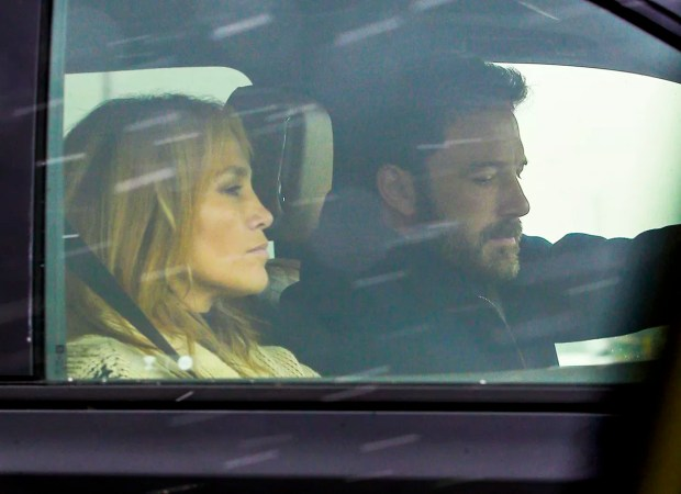 Montana, MT - *PREMIUM EXCLUSIVE* Ben Affleck and Jennifer Lopez are spotted driving to the airport together in Montana on Mother (Photo: Backgrid/ Grosby Group)