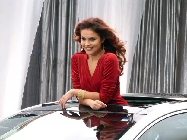 Rosângela não decepciona e mostra todo o seu glamour (Foto: Salve Jorge/TV Globo)