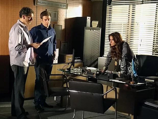 Helô está cada vez mais desconfiada de Lívia (Foto: Salve Jorge/TV Globo)