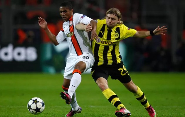 Douglas Costa, Borussia Dortmund x Shakhtar (Foto: Reuters)