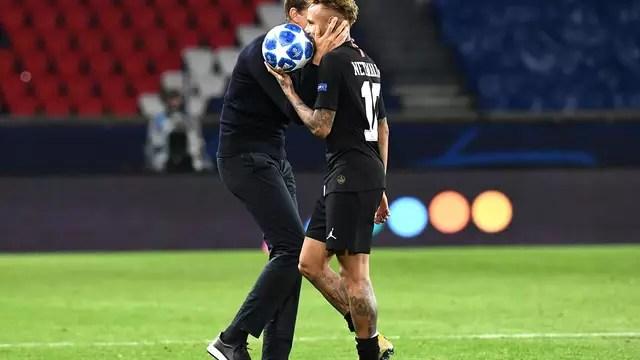 Neymar dá show, faz três, e PSG se recupera de tropeço na estreia com massacre