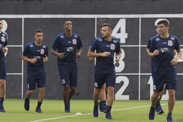 Jogadores do Corinthians durante treino no CT Joaquim Grava (Foto: Daniel Augusto Jr/Ag.Corinthians)