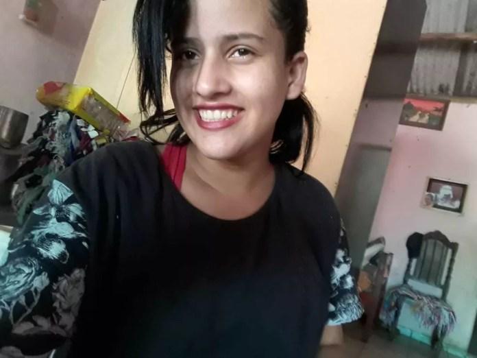 Michelly Martins tem 15 anos e é aluna do oitavo ano do ensino fundamental. (Foto: Arquivo de família)