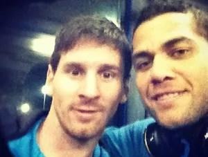 Messi - Dani Alves - Boleirama (Foto: Reprodução / Instagram)