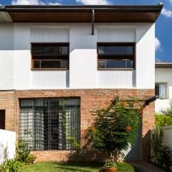 Fachadas de casas pequenas: 14 projetos bem resolvidos Casa Vogue Casas
