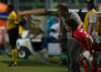 Diego Aguirre treinou Valdívia no Internacional (Foto: Alexandre Lops/Internacional)