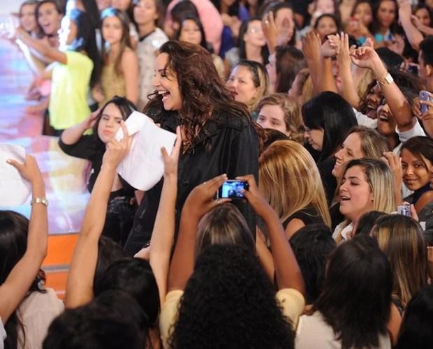 Ana Carolina canta no TV Xuxa (Foto: Xuxa Produções)