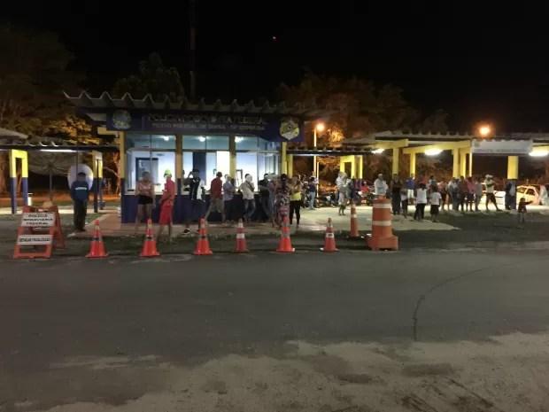 Passageiros foram transferidos para veículo regular e continuaram viagem (Foto: Divulgação/PRF)