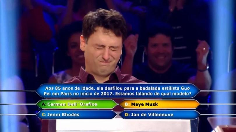 """'Quem Quer Ser Um Milionário?': o participante Daniel Minahim chutou a letra B, """"Maye Musk"""" — Foto: TV Globo"""