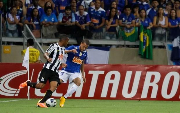 Robinho Santos x Cruzeiro (Foto: Washington Alves / VIPCOMM)