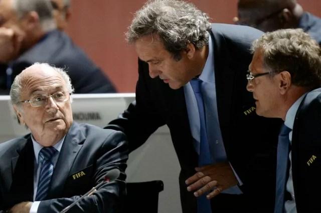 Joseph Blatter, Michel Platini e Jerome Valcke Congresso na Fifa - AP (Foto: AP)