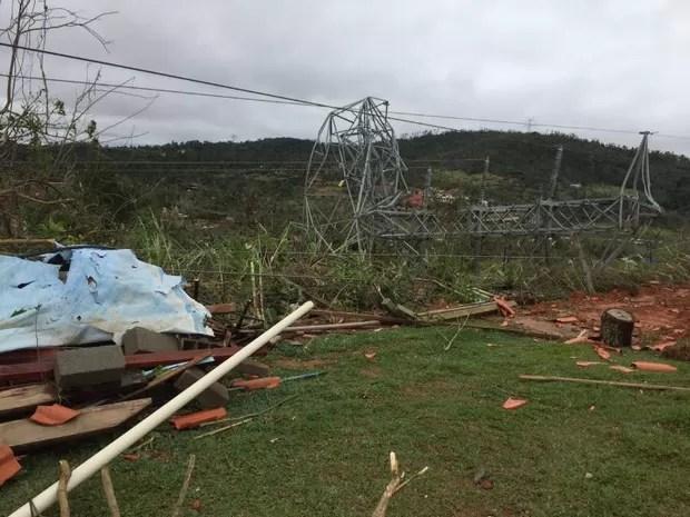 Estrutura de distribuição foi danificada em Mairinque, na região de Sorocaba (Foto: Prefeitura de Mairinque/Divulgação)