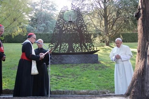 Papa inaugura monumento dedicado a Nossa Sra. Aparecida no Vaticano (Foto: Divulgação/A12)