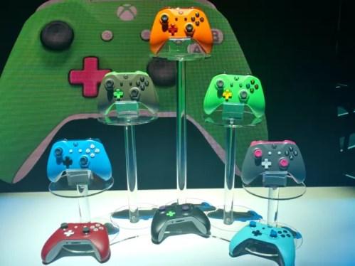 Xbox Design Lab permitirá que jogadores personalizem seus controles com várias cores (Foto: Bruno Araujo/G1)