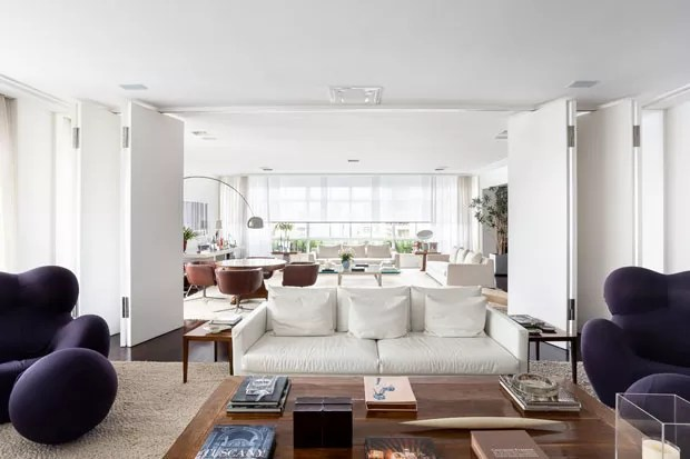 Adriane Galisteu abre apartamento em São Paulo e fala de paixão instantânea (Foto: Ricardo Bassetti)